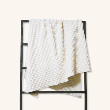 The Duchess white blanket by Perelic