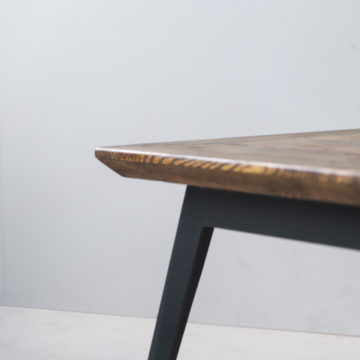 Krijn/Susanne coffee table of construction wood and iron 115x65x46cm detail of the edges